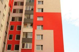 farby fasády pôsobia veselo